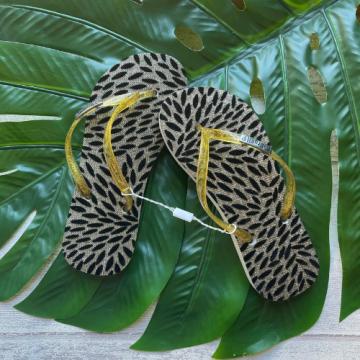 Chinelo Flocado Dourado (Tiras Douradas Brilhantes)