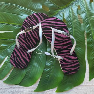 Chinelo Flocado Zebra Rosa (Tiras Prata)